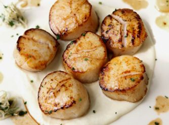 Seared Scallops with Cauliflower Puree & Almonds